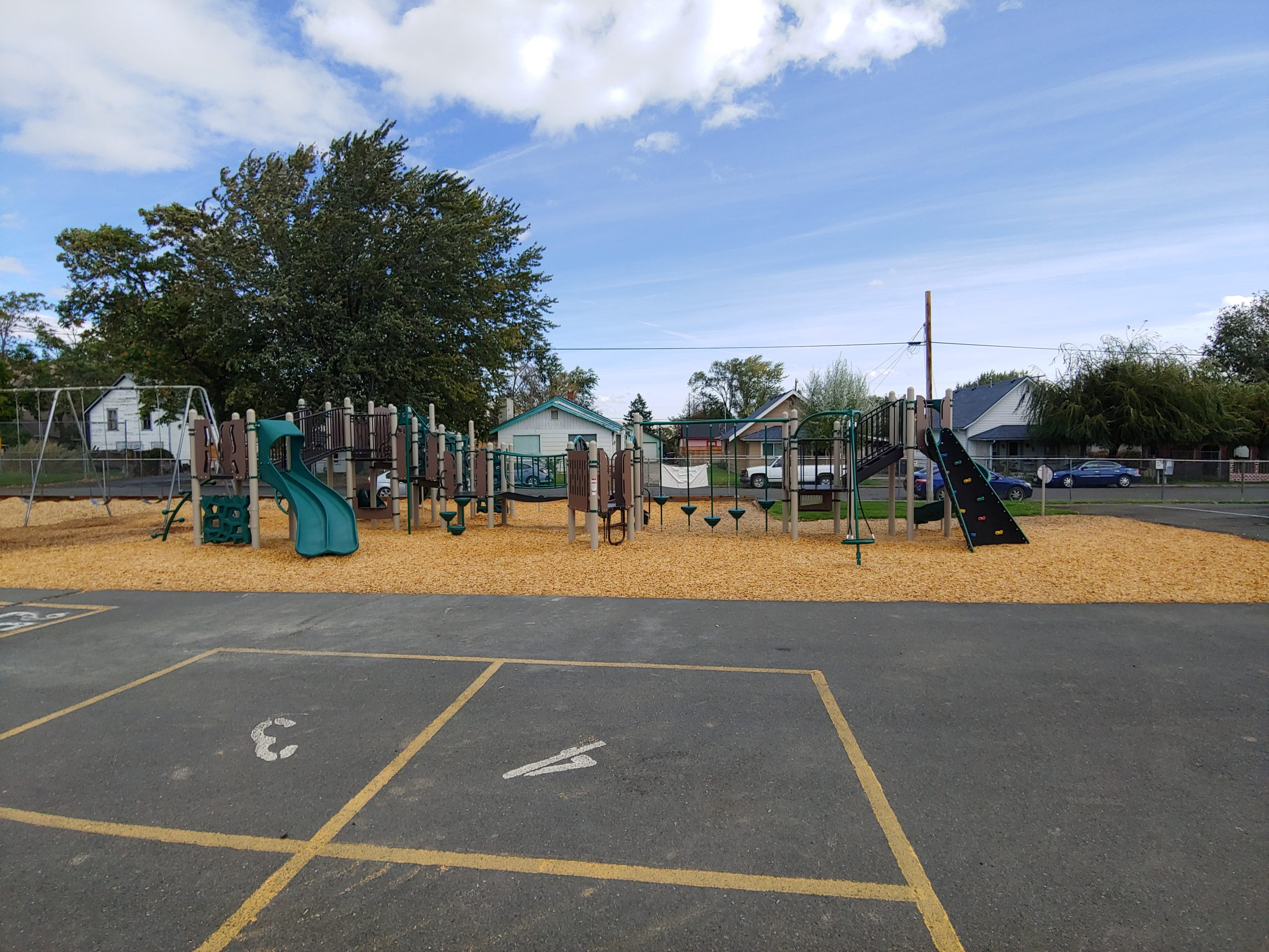 Barge-Lincoln Elementary School Playground